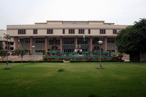 The High Court of Delhi. Image from Flickr by Ramesh Lalwani (CC BY-NC 2.0).