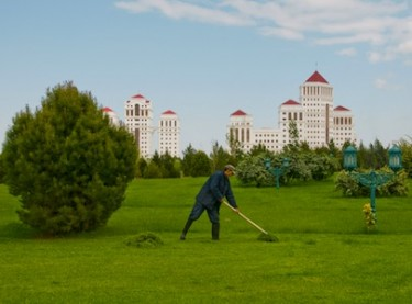 Tending the city park in the Turkmenistan capital Ashgabat. Image by Mirka Duijn, copyright Demotix (24/09/2009).