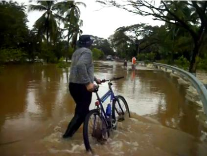 Flooded roads in El Salvador