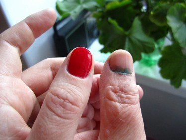 The marking on voters' thumbnails is almost invisible on polished nails.