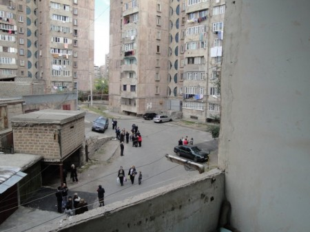 Some families evacuate their apartments in Yerevan (Журнал настоящего армянина)
