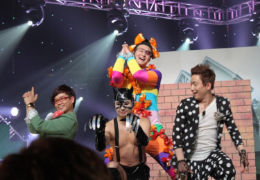 Image of comedians at Gag Concert, Image by Blogger Noi, Attribution required, used with permission.