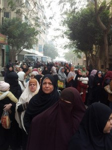 Long queues at polling station in Al Haram. Photo by Nadia ElAwady, shared via Twitpic on Twitter