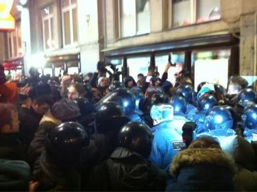 Ereignisse am Triumfalnaya. Foto von Ilya Varlamov auf Twitter.