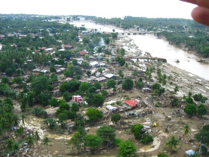 http://globalvoicesonline.org/wp-content/uploads/2011/12/sendong-overview-of-destruction.jpg