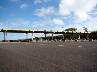Tollbooths – Itiparina. Photo by Mariana Braga. (CC BY-NC-ND 2.0)