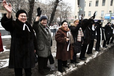 http://globalvoicesonline.org/wp-content/uploads/2012/02/1076589-375x250.jpg