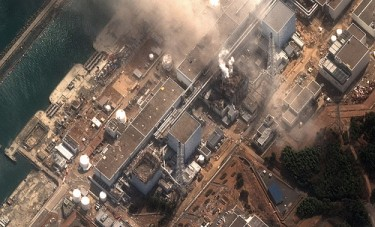 Earthquake and tsunami damaged-Fukushima Dai Ichi Power Plant, Japan by DigitalGlobe-Imagery, on Flickr (CC BY-NC-ND 2.0).