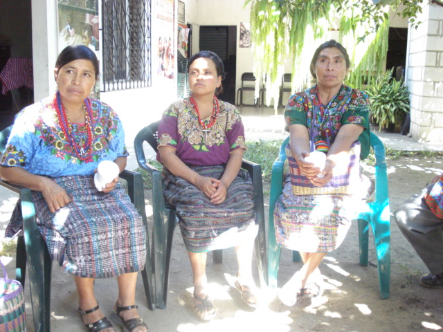 Survivors and activists from Rabinal, Baja Verapaz Guatemala who declared as witnesses before Spanish Court on the genocide case and declared their testimonies of crimes against women. Image CC By Renata Ávila