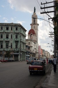 Calzada de Infanta, in Havana. Photo by Flickr user amycgx (CC: BY - NC)