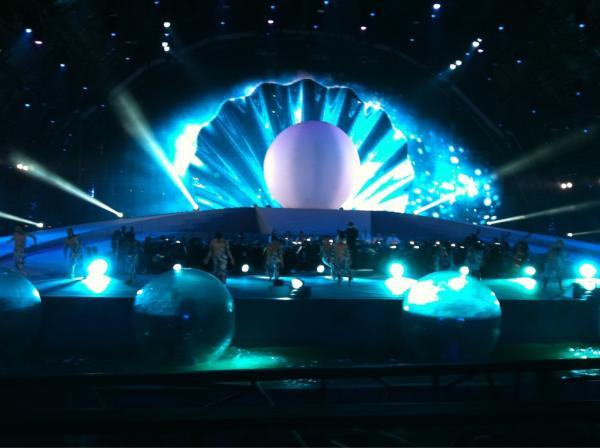 العرض الموسيقي أثناء افتتاح الحفل بالمنامة، عاصمة الثقافة العربي للعام 2012، المسمى بطريق اللؤلؤ. تصوير خالد آل خليفة على تويتر