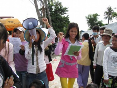 Campaign to improve conditions of garment workers. Photo from Clean Clothes group.
