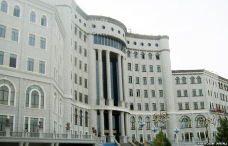 National Library of Tajikistan. Image from kloop.tj via rfe/rl.