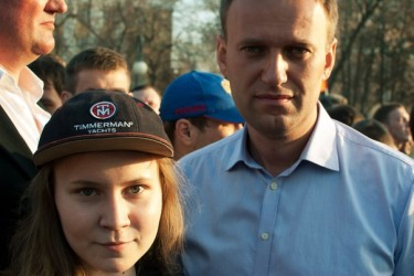 Navalny with a local student in Astrakhan, Russia. (14/5/2012). Photo by Anastasiya Simonenko. (Used with permission from author.)