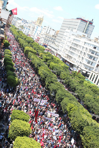 Demonstration on Avenue Habib Bourguiba, Tunis. Image by Amine Ghrabi on Flickr (CC BY-NC 2.0).
