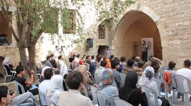 Il Dr Haidar Eid presenta la serata di chiusura del PalFest