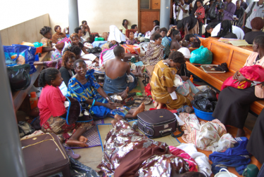 Patients on the floor of Mulago Hospital, the National Referral Hospital. Photo courtesy of williamkituuka.blogspot.com