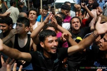 A massive welcome for Sarsak in Gaza