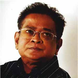 Humayun Ahmed. Image courtesy Wikipedia. From public domain.