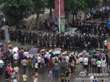 Confronto tra polizia e cittadini di Shifang