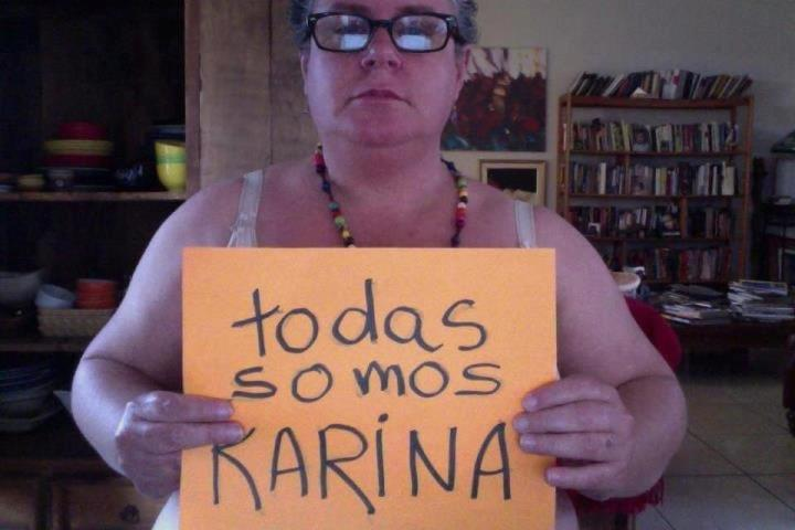 Blogger and Photographer Julia Ardón in solidarity with Karina