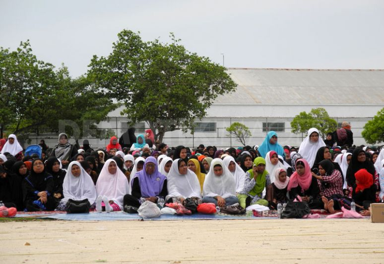 Women gathered for Eid Al-Fitr prayers at a sports ground in Malé, Maldives. Image by Saffah Faroog. Copyright Demotix (19/8/2012)