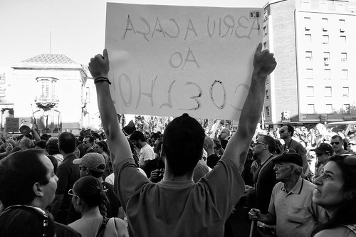 Photo by 35mm (Luís Afonso) shared on the blog O que diz a rua