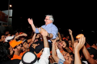Secular Waad leader Ibrahim Sharif carried by supporters