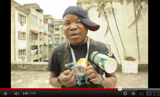 Ruben Mutekane playing Ndjerendje and singing in Maputo, Mozambique (September, 2012). Video by Miguel Mangueze