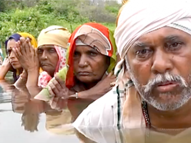Screenshot of the video showing the protest of the evictees of the Omkareshwar Dam project