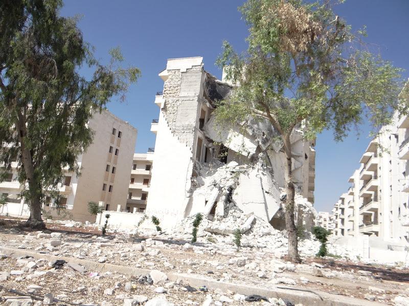 Siria - Aleppo - 23 settembre 2012 - Distruzione seguita a un raid aereo con artiglieria pesante