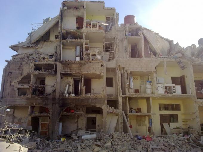 Siria - Damasco - Quartiere di Irbin - 29 ottobre 2012 - Distruzione di un edificio in conseguenza dei bombardamenti da parte delle forze di Assad contro abitazioni civili