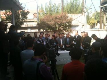 curdi mostrano solidarietà con i prigionieri in sciopero della fame