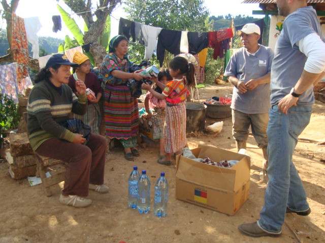 Residents of Huitancito, Huitán receive aid from Riecken Guatemala and community library Mi Nuevo Mundo