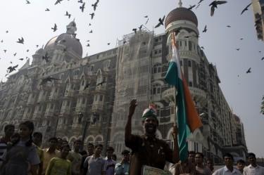 Mumbai marks first anniversary of  26/11 attacks