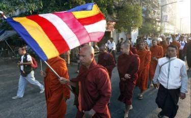 I manifestanti per la pace in Birmania