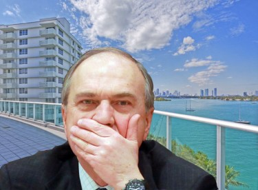 A crudely photoshopped image of Vladimir Pekhtin in front of an ocean-front property being passed around RuNet. Anonymous image freely distributed online.