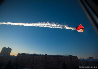 The Chelyabinsk meteorite compared to the popular game Angry Birds. An anonymous image widely circulated online.