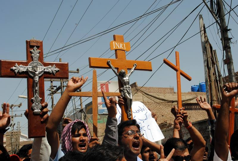 Pakistan's Christian minority shouts slogans against the attack on their community members in Lahore, during a protest in Hyderabad. Image by Rajput Yasir. Copyright Demotix (10/3/2013)