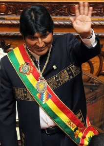President Evo Morales taking office in La Paz on January 22, 2010. Photo shared on Flickr by Presidencia de la República del Ecuador (CC BY-NC-SA 2.0)