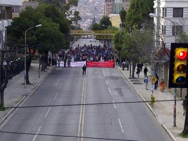 Teachers blockading Hernando Siles Ave., the main road between the south and the Town Centre in La Paz