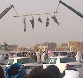 5 Yemenin men executed and publically dispalyed in the streets of KSA (Photo via  @sanasiino)