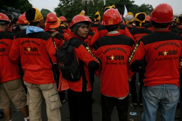 Thousands of workers march in Jakarta. Photo by Ibnu Mardhani, Copyright @Demotix (5/1/2013)