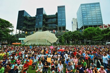Thousands of Singaporeans assembled in Hong Lim Park on Labor Day. Photo from Facebook of Lawrence Chong
