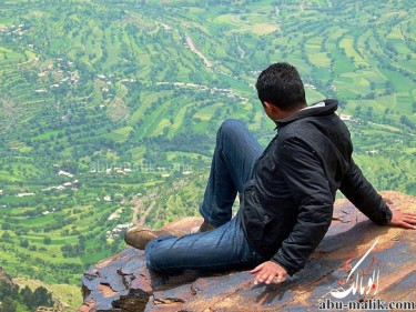 A breath taking view of the city of Ibb seen from a cliff. Photograph by Abu Malik