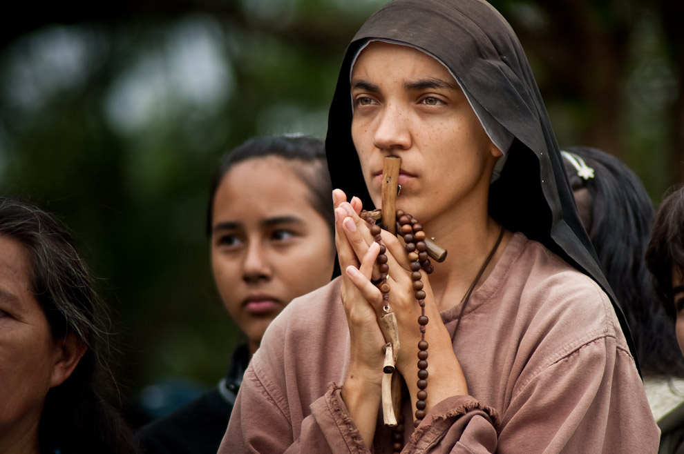 Franciscan sister attending a Via Crucis held in the cathedral of Ciudad del Este, Paraguay. Photo by Elton Núñez