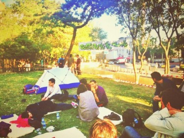 Protesters camping in Gezi Park. Photo credit: @140journos