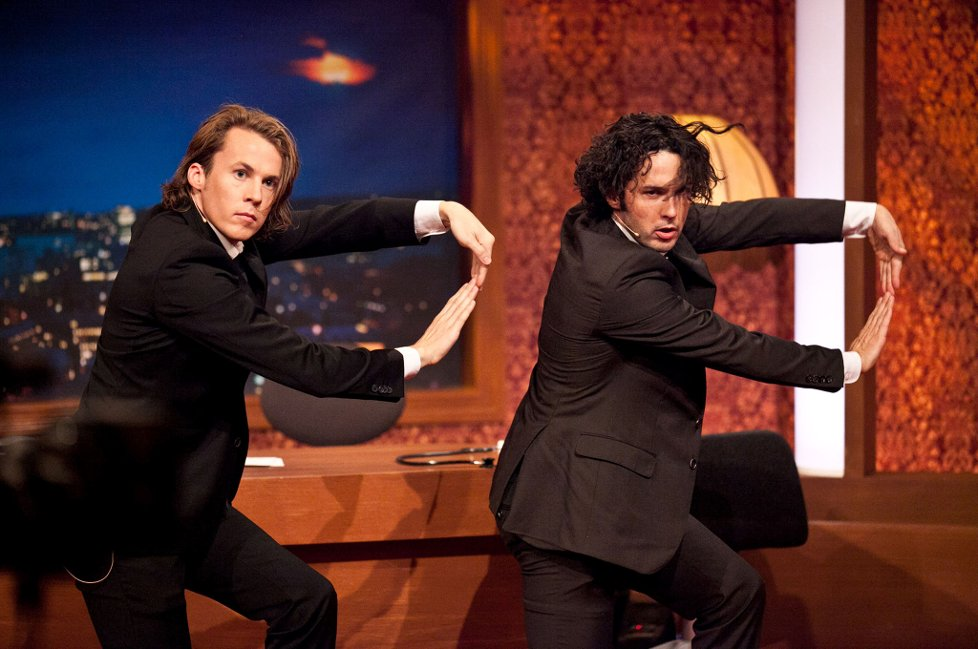 Photo of Ylvis performing on Norwegian TV, shared on the blog of Ulugbek Akishev.