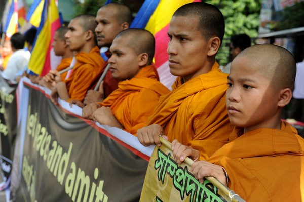 Bangladeshi Buddhists protesting the terror attack on Mahabodhi Gaya in front of the National Press Club in Dhaka. Image by Mohammad Asad. Copyright Demotix (8/7/2013)