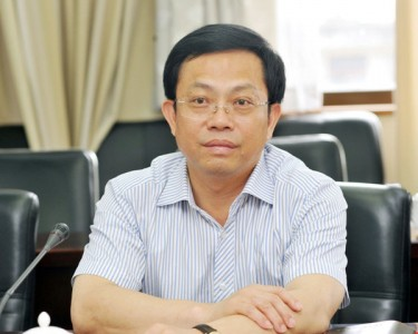 Renmin Jianduwang posted Jinjiang CCP Chief Secretary Chen Rongfa's photo in its corruption report.